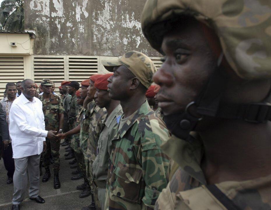 La Côte-d'Ivoire a besoin d'un homme d'État, la Côte-d'Ivoire a besoin de Laurent GBAGBO pour la conduire.
