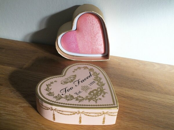 3 Sweethearts Blush Candy Glow Too Faced