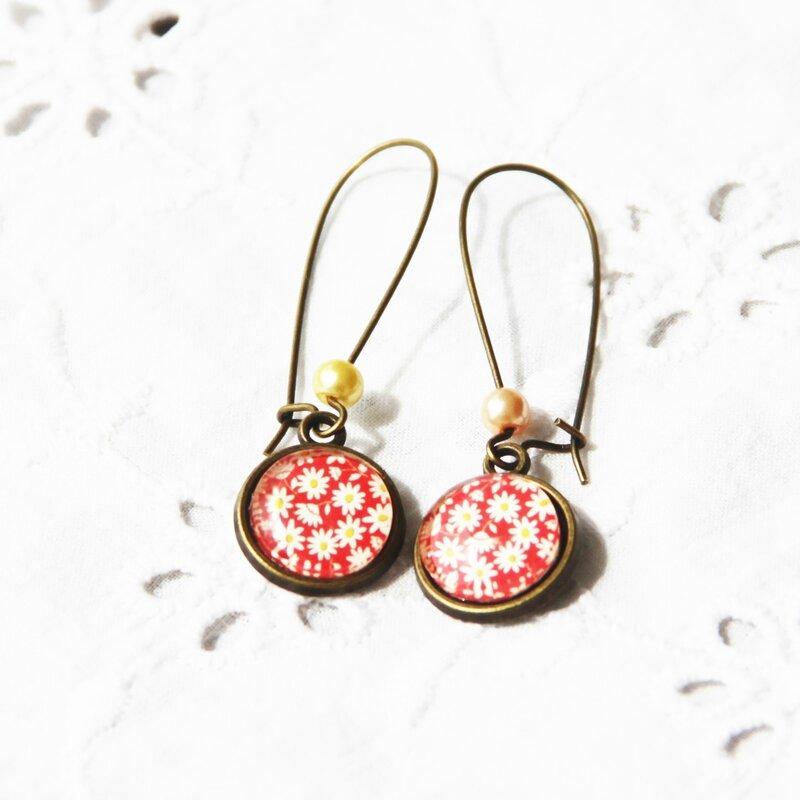 eve 43 boucles d'oreilles longues cabochons paquerettes rouges beiges bijoux colorés louise indigo (2)