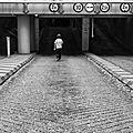 Un enfant sous la ville