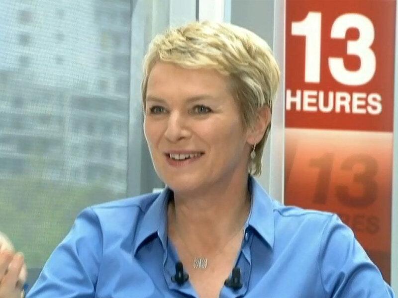 Elise-Lucet-recoit-Pierre-Palmade-au-JT-de-13-heures-sur-France-2-le-3-mai-2013_exact1024x768_l