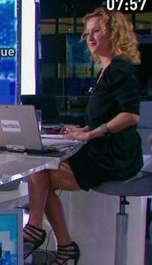 caroline-roux-journaliste-matinale-canal-2012-40