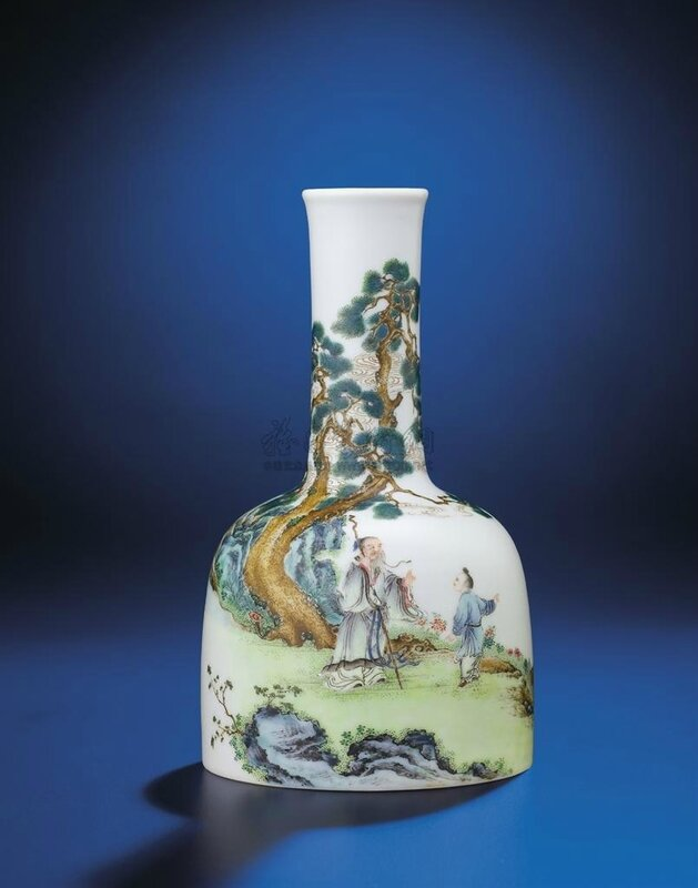An important and very fine inscribed falangcai enamelled 'Beneath pine trees' mallet-shaped vase, Yongzheng-Qianlong period (1723-1795)