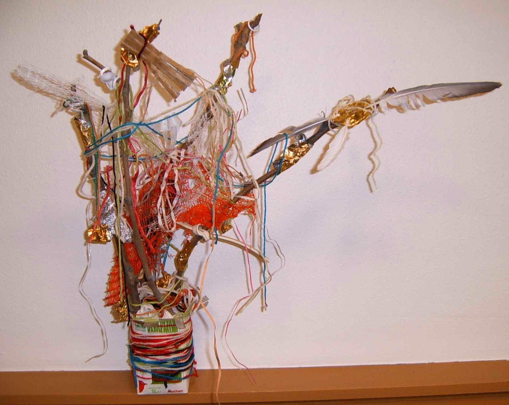 L'arbre de Théo - Bricolage Création récupération bois branches d'arbre petits déchets et pot brique alimentaire - Salon du Bio Saint-Victoret 2013 - Animation écologie éco-citoyenneté jeunesse