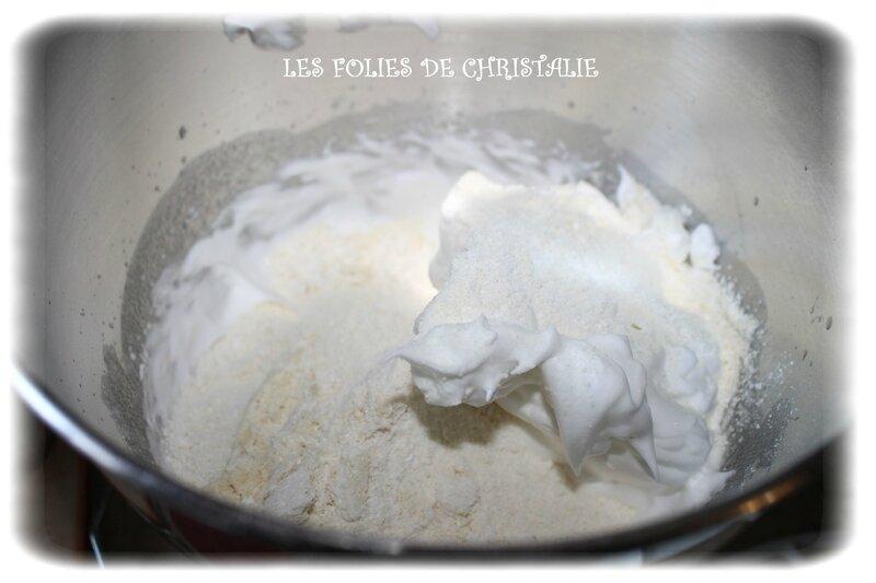 Bûche vanille fraise 6