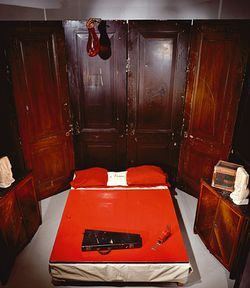 louise_bourgeois_red_room_parents