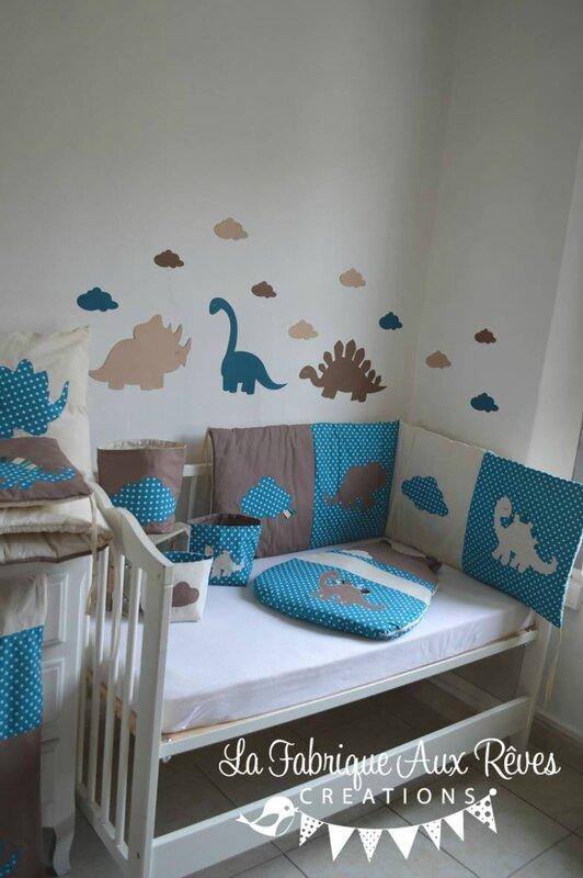 décoration chambre bébé dinosaure nuage pétrole canard camel marron beige