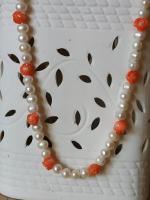 Collier perles et fleurs de corail orange 1