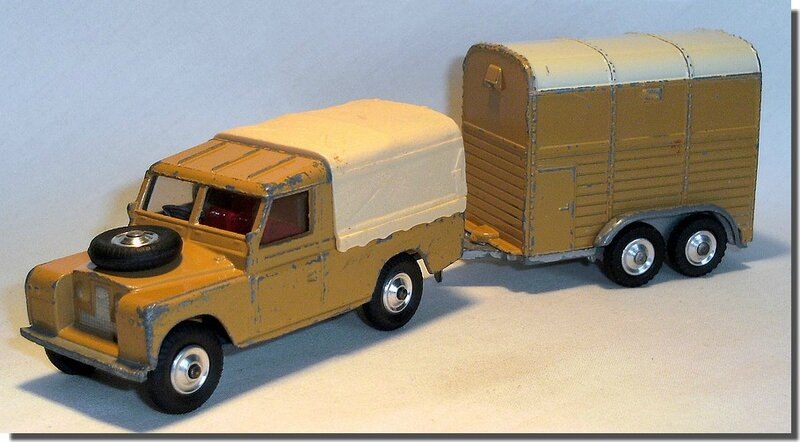 Corgi Toys #102 Pony Trailer Version 2 E