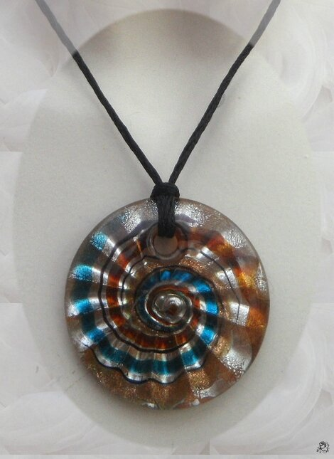 Pendentif Rond Yamha Spirale Or MarronTurquoise Argent Verre Soufflé Style Murano