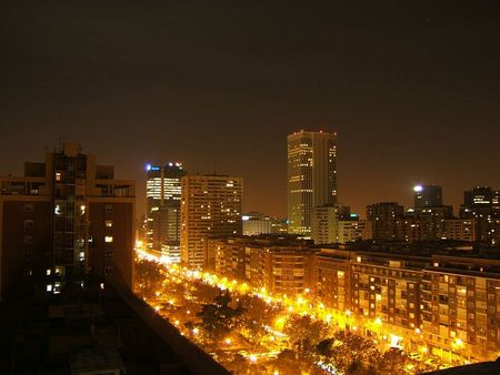 800px_Madrid___Skyline_desde_Juan_de_Ol_as_02