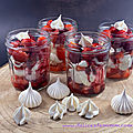 Pavlova aux fruits rouges en verrine