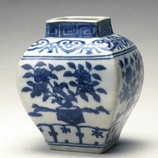 Jar, Ming dynasty, Jiajing six-character mark and of the period (1522-1566)