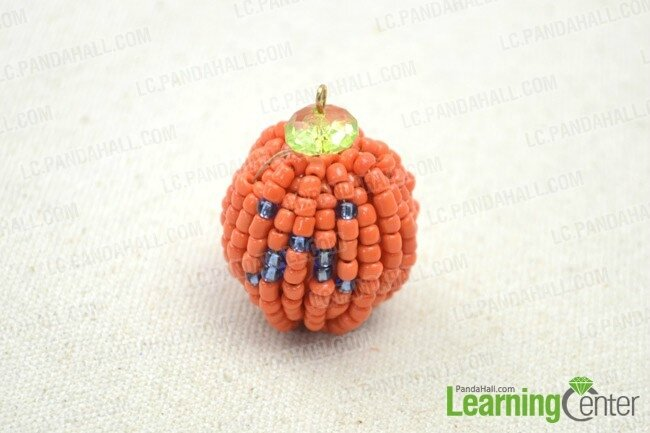 How-to-Make-Bearded-Pumpkin-Pendant-–-DIY-Halloween-Grandpa-Pumpkin-Decor5
