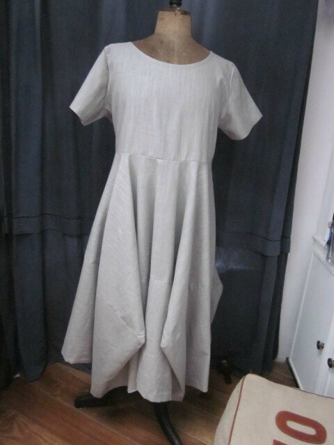 Robe EULALIE en lin gris clair (2)