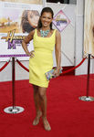 hannah_montana_av_odeon_leicester_square_londres_008_vanessa_williams