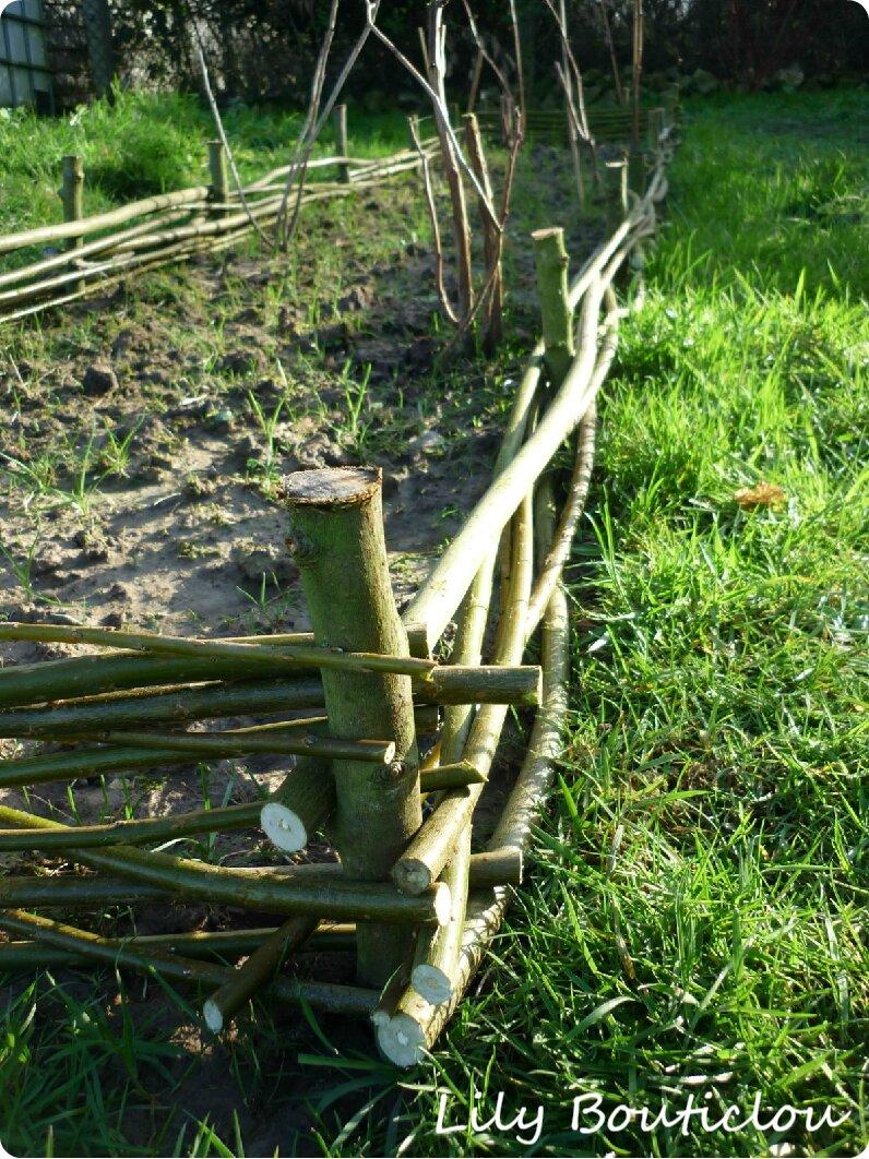 M. Bouticlou au jardin: le tressage de bordures en branches de saule ...