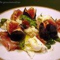 Salade au jambon cru et figues fraîches, vinaigrette miel et citron
