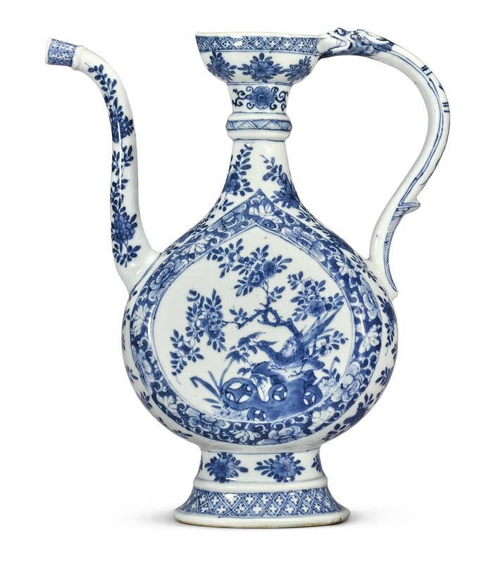 A large blue and white Persian-style ewer, Qing dynasty, Kangxi period (1662-1722)