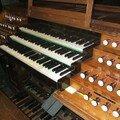 une console à la mesure de l'instrument.