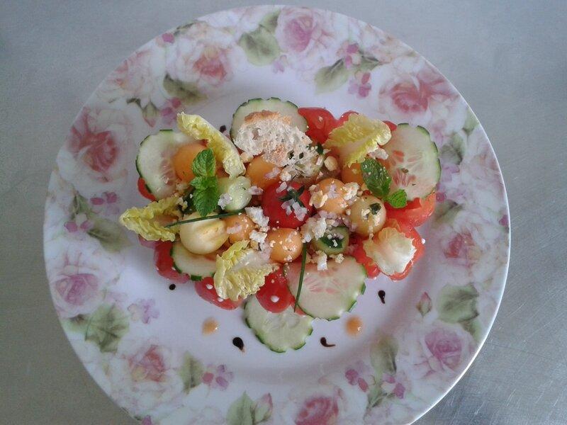 Salade d'été Salade de tomate méli-melo( du chef Custos ------------AD832ED6-5752-4944-F568-337053