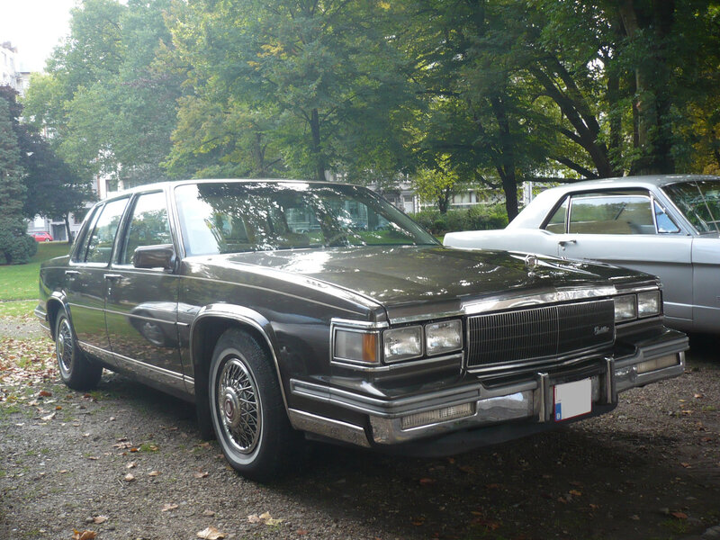 CADILLAC Fleetwood d'Elegance 4door Sedan Liège (1)