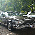 Cadillac fleetwood d'elegance 4door sedan