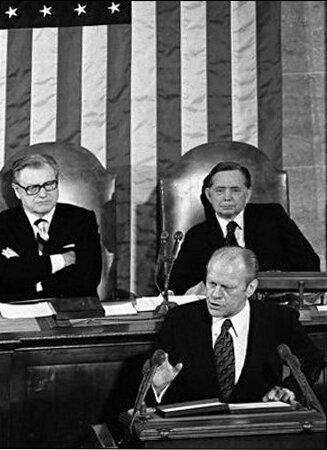 1975-Gerald Ford devant le Congres US
