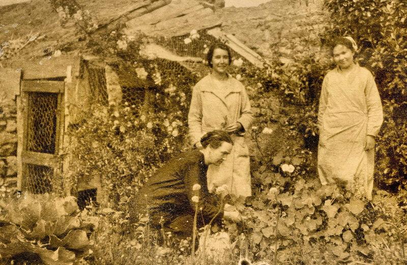 Ch42 - Mlle Dreulette et 2 de ses filles