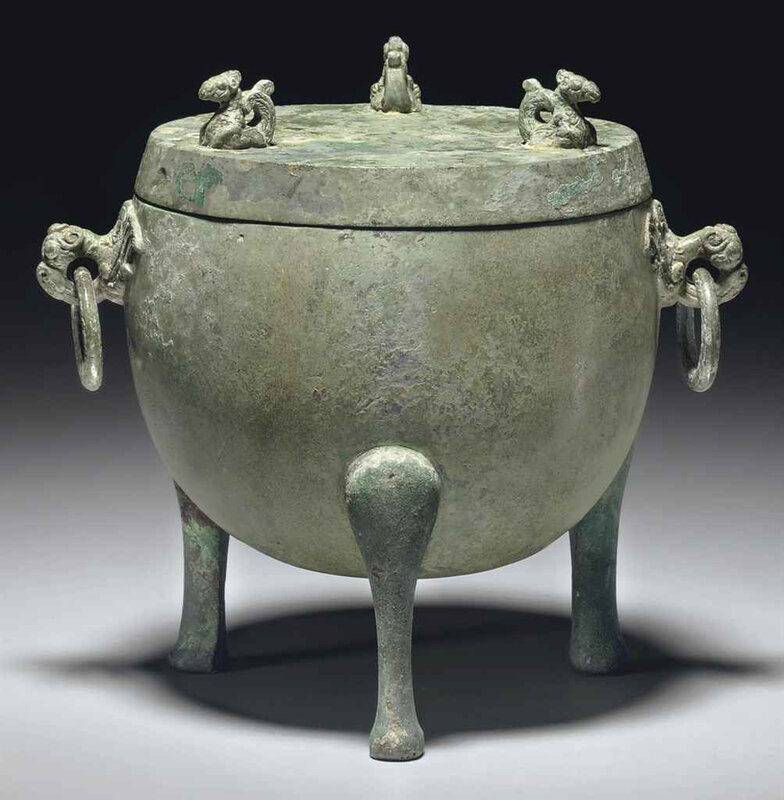2011_NYR_02427_1260_000(a_small_unusual_bronze_ritual_tripod_food_vessel_and_cover_ding_han_dy)