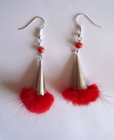 cone_pompon_rouge