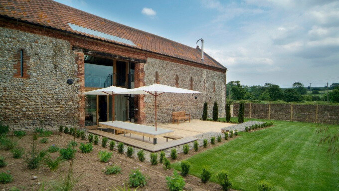Barsham-barns-Exterior-1-680x383