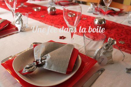 Table-noël-rouge-argent