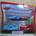 Figurines disney lot vehicules - dinocco & flash mcqueen -