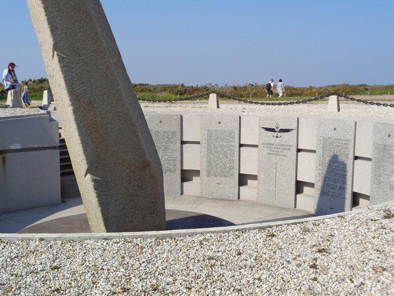 Mémorial des aviateurs de l' Aéronavale disparus en mer-1