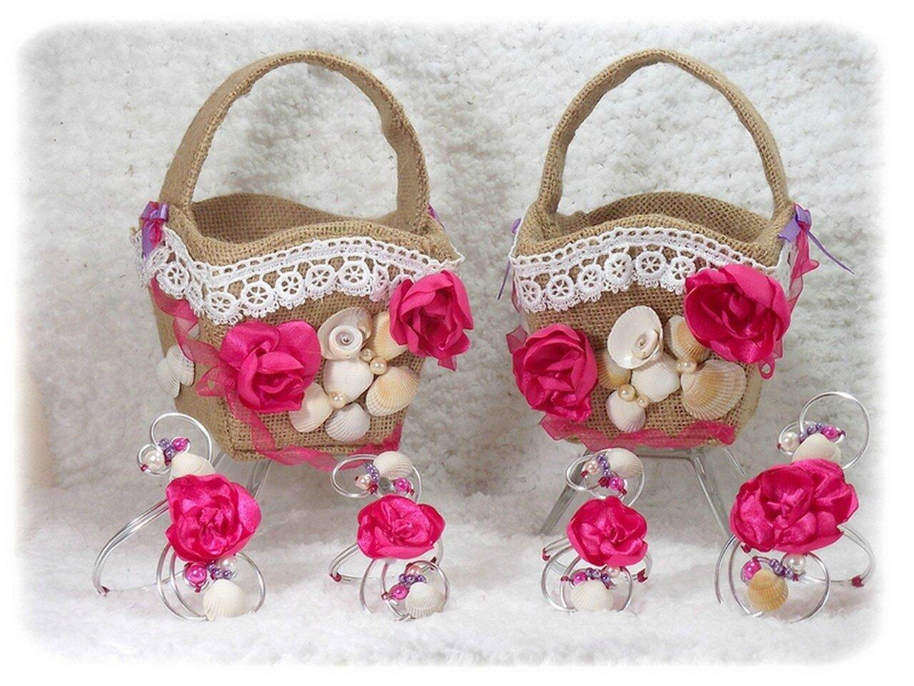 Ensemble demoiselles d'honneur paniers à pétales bracelets fleurs fuchsia coquillages