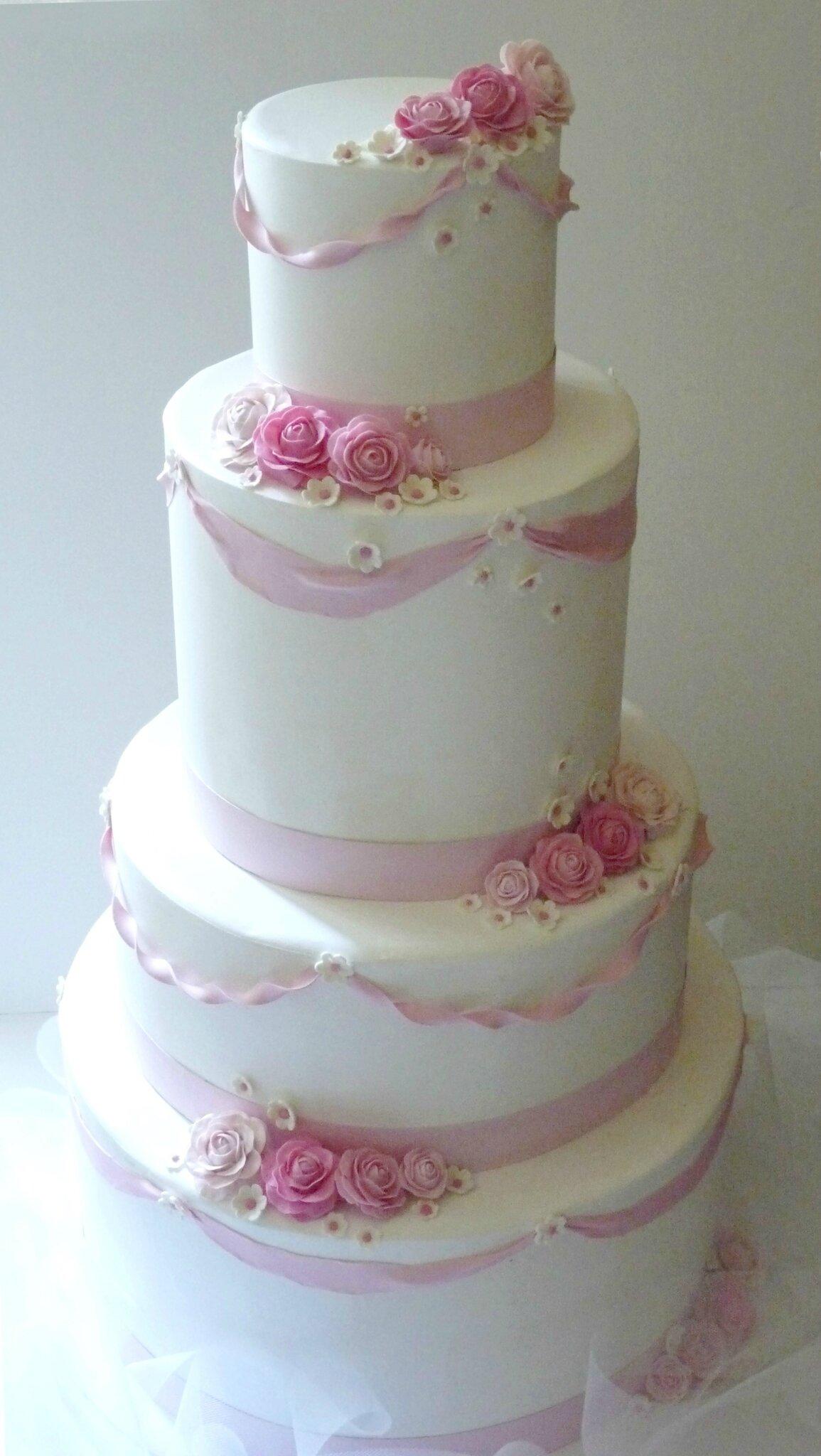 Wedding cake, diamètre 55 cm, hauteur 95 cm