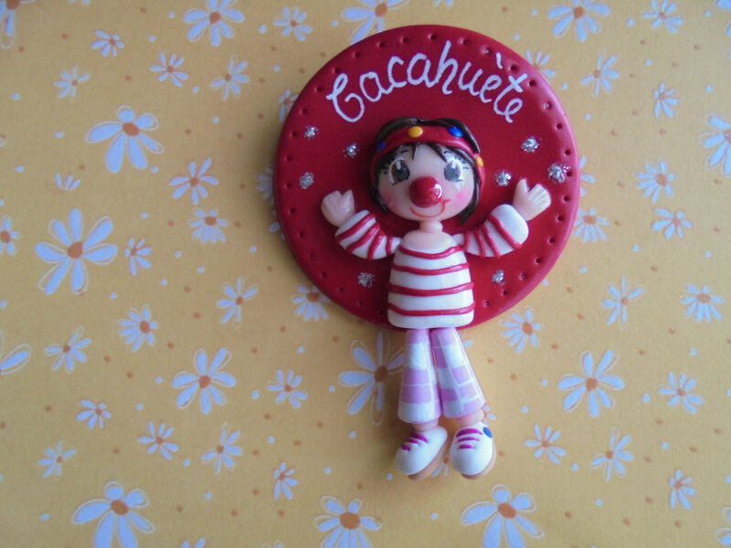 badge clown cacahuète