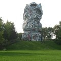 Issy-les-Moulineaux, île Saint-Germain, sculpture Jean Dubuffet (92)