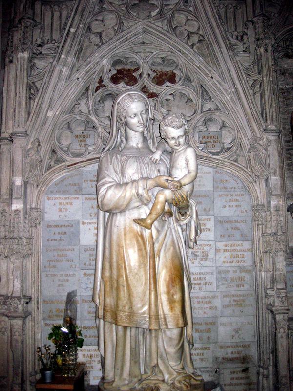 Cathédrale St André, Mater Amabilis