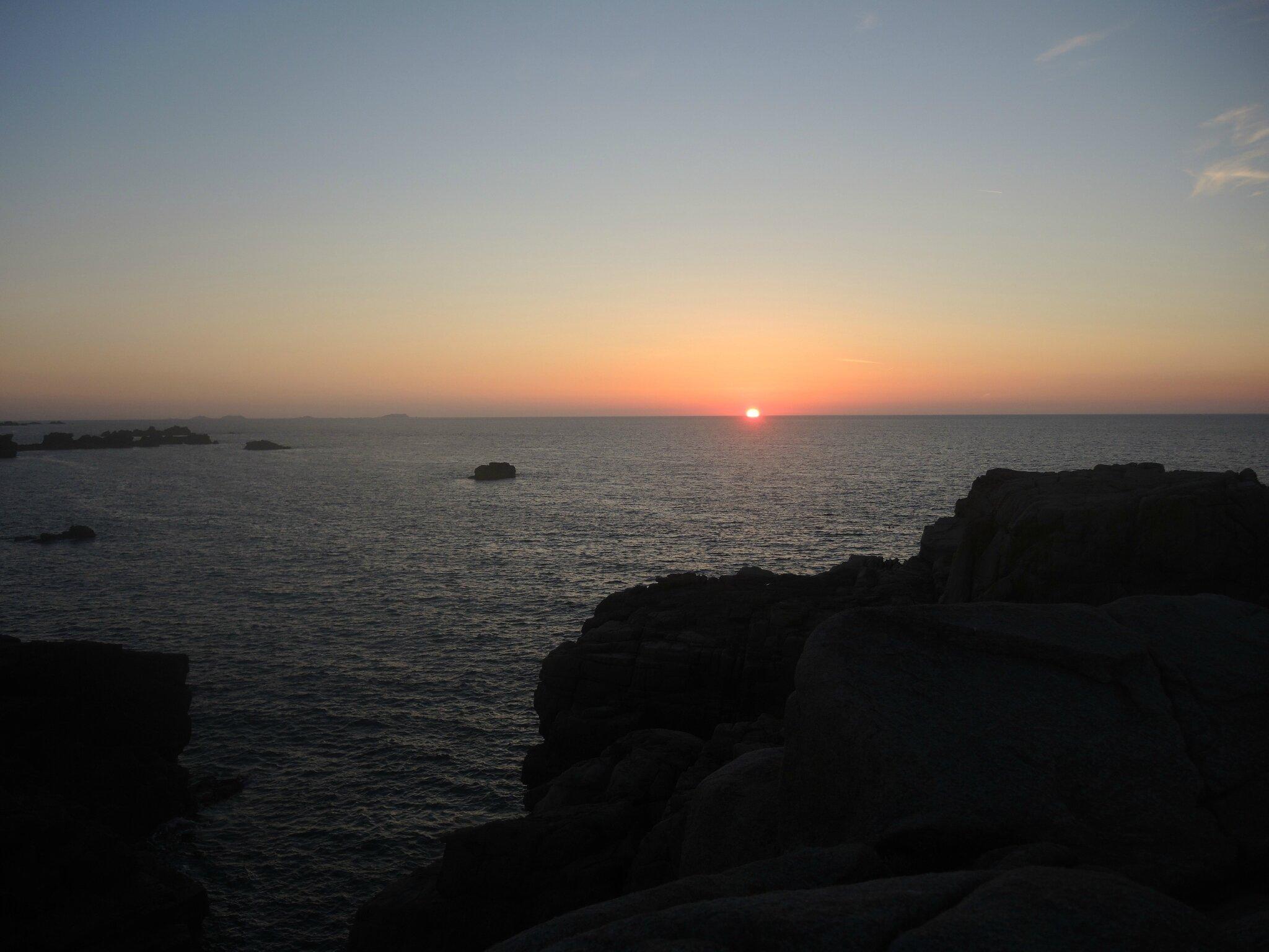 Plougrescant, le Gouffre, coucher de soleil