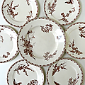 Vaisselle ancienne ... plat et assiettes fleurs papillon libellule * terre de fer