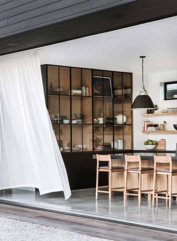 Scandinavian-Modern-Home-Potter-Mallis-12-1-Kindesign