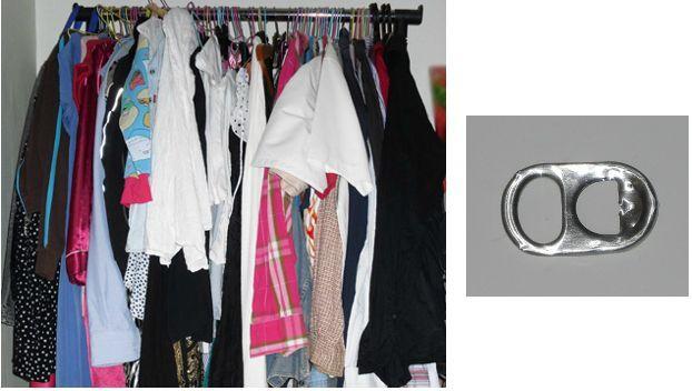 gain de place dans la penderie recyclons les bagues de canettes quoi de vieux aujourd 39 hui. Black Bedroom Furniture Sets. Home Design Ideas