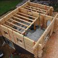 2009 08 07 Le fustier Frédéric Monteil qui construit sa propre maison à la Côte Chaude (15)