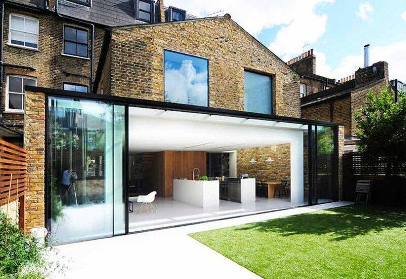 facade_maison_en_brique_avec_extension_en_verre_et_alu