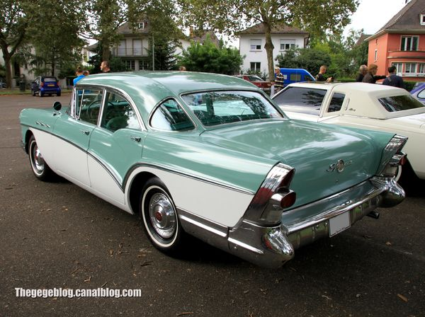 Buick special 4door sedan de 1957 (Retrorencard septembre 2013) 02