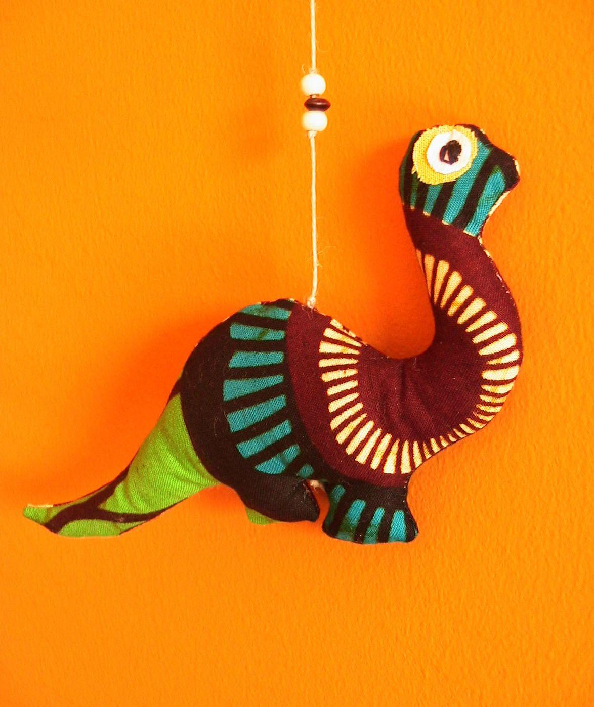 dinosaure diplodocus fond orange